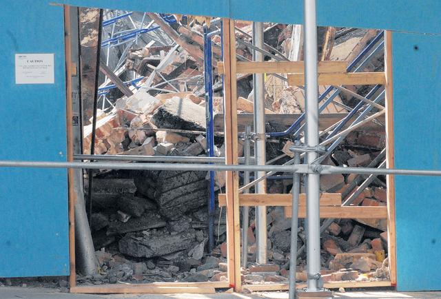 Piden investigar derrumbe de edificio en Harlem