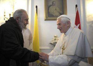 Fidel le pregunta a Benedicto XVI: ¿Qué hace un Papa?