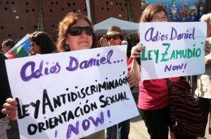 Chilenos dicen adiós a joven asesinado