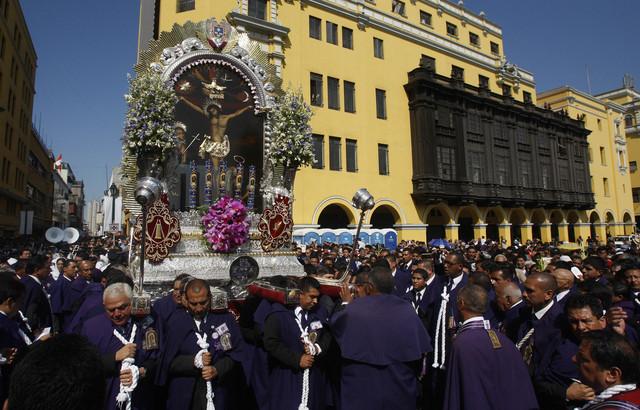 Cubanos viven su primer Viernes Santo feriado
