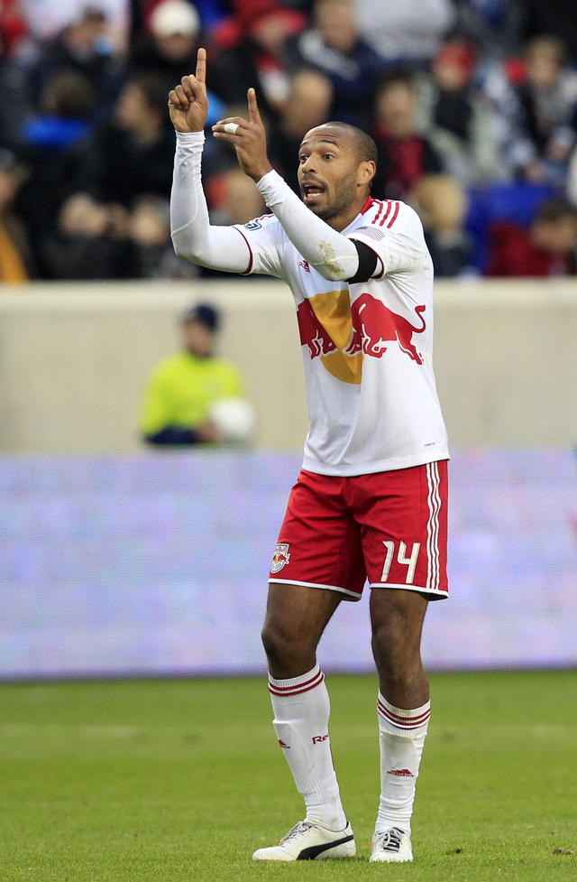 Red Bulls arrollan al Crew