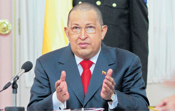 Chávez va por más radioterapia a Cuba