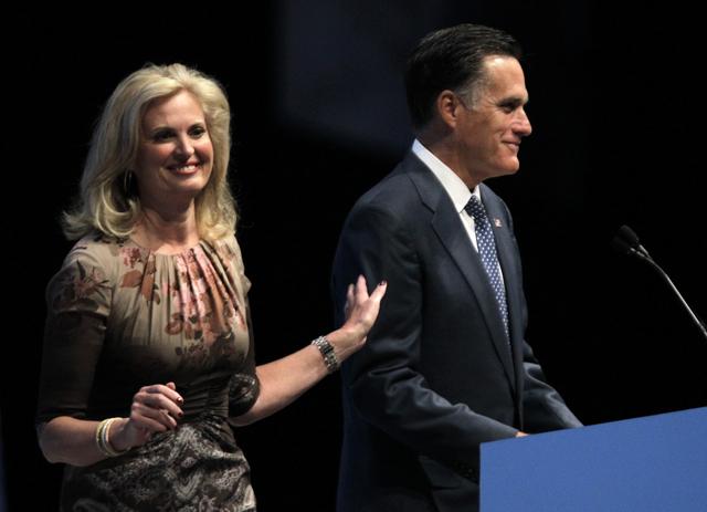 Romney corteja a portadores de armas