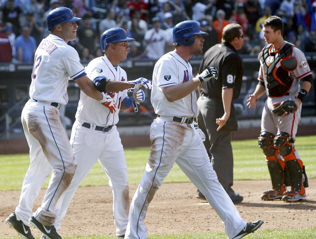 Tejada da triunfo a los Mets