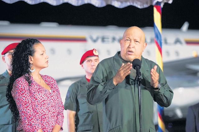 Aconsejan a Chávez internarse en hospital de EEUU