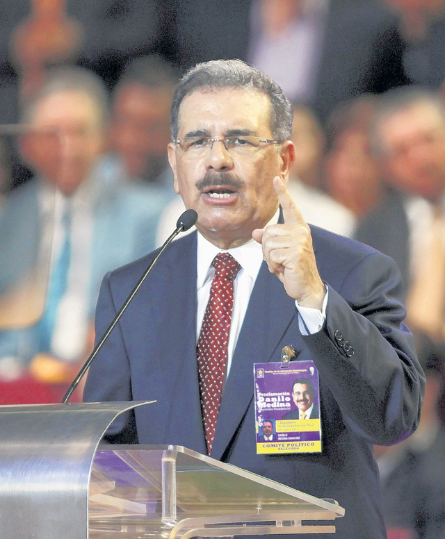 Candidato presidencial Medina visita PR