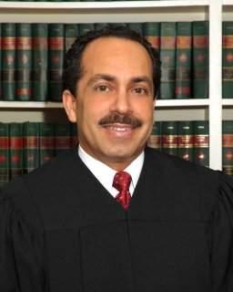 Recomiendan a juez hispano para Corte Federal de NY
