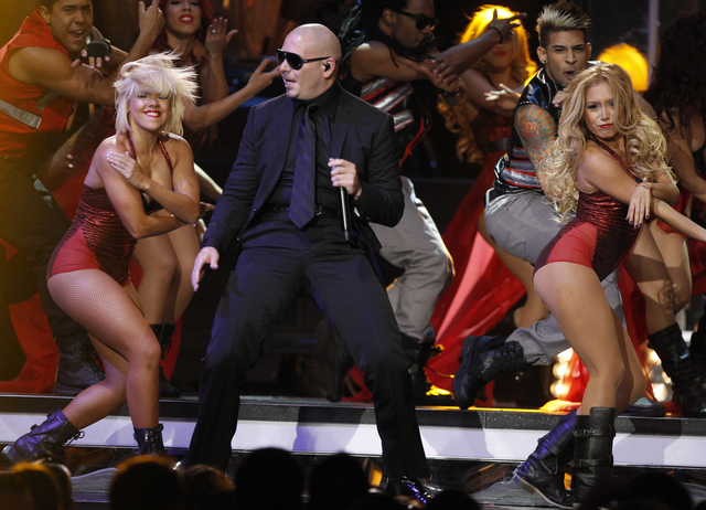 Pitbull abre los  Billboard