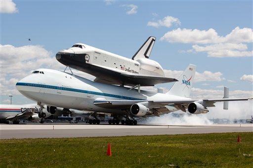 Neoyorquinos celebran llegada del Enterprise
