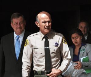 Corte rechaza protección a Lee Baca