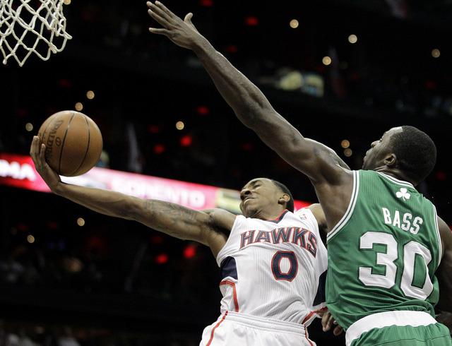 Boston y Filadelfia igualan sus series
