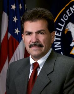 Exagente de la CIA defiende la tortura