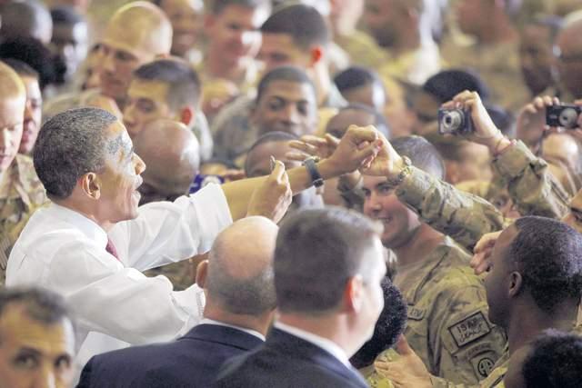 Obama visita tropas en Afganistán
