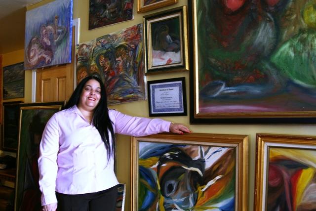 Una  pintora dominicana autodidacta