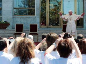 Benedicto XVI debate ciencia y moral