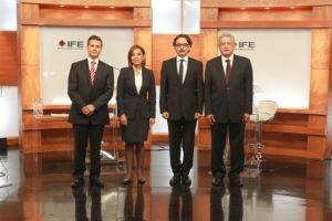 Centran sus ataques en  Peña Nieto