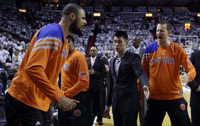 Jeremy Lin fuera por toda la serie