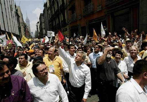 López Obrador logra segundo lugar en las encuestas