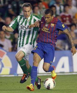 Alves se fracturó la clavícula, está en duda para la final