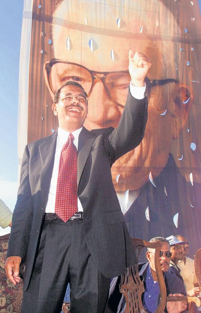 Danilo Medina acaricia el poder