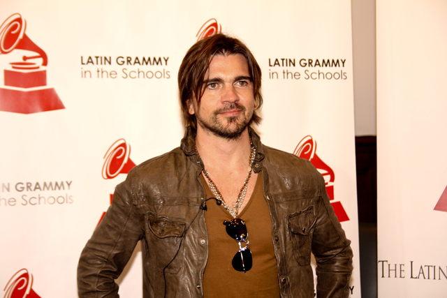 Juanes anima a estudiantes de El Bronx