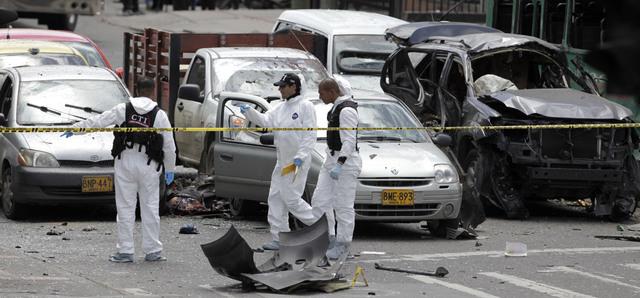 Bombazo deja dos muertos en Colombia