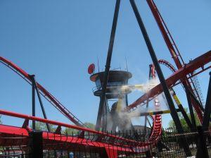 Six Flags Great America  estrena 'X-Flight'