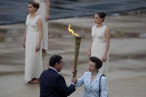 Reciben llama olímpica