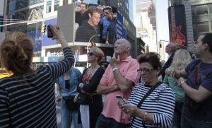 Con bombos y platillos Facebook debuta en Wall Street