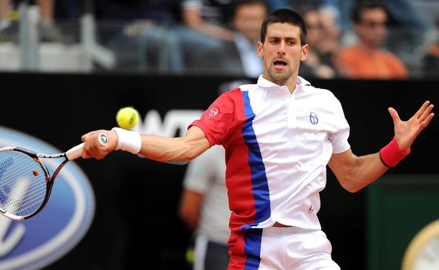 Djokovic a semifinales