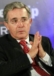 Uribe, blanco de atentado