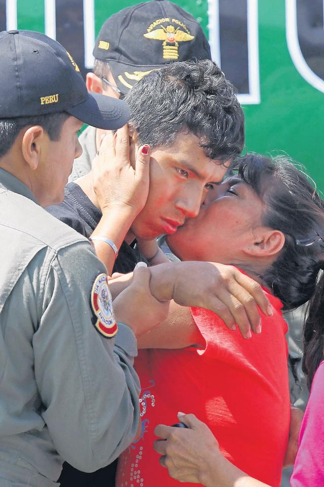 Ascienden a  policía peruano tras odisea