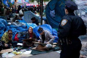 """""""Indignados"""" demandan a NYC por daños durante desalojo"""