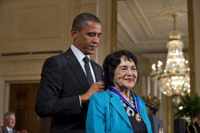 Dolores Huerta recibe Medalla de la Libertad