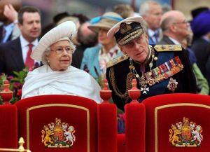 Hospitalizan al esposo de la reina Isabel