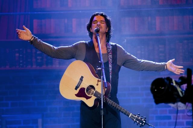 El cantante guatemalteco sigue cosechando éxitos con su gira de conciertos 'Metamorfosis World Tour'.
