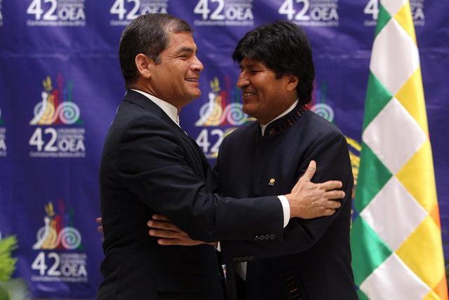Correa pide 'revolcón' en la OEA