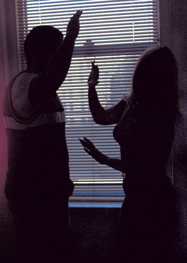Vigilan ley contra violencia doméstica