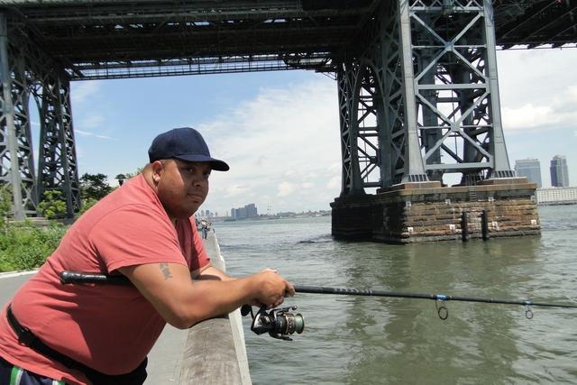 Pescando en el East River