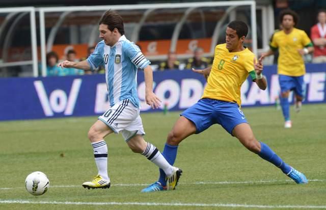 Lionel Messi marcó tres goles para Argentina, en la victoria de la 'Albiceleste' ayer sobre Brasil, en el MetLife Stadium, en East Rutherford, N.J.