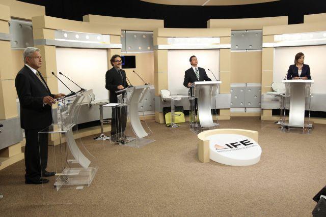 Ataques y promesas repetidas en debate en México