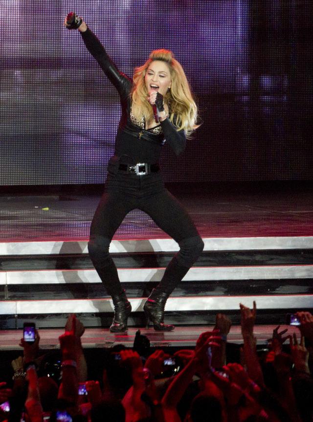 Madonna muestra seno en Estambul