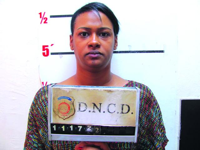 Arrestan a hija de diputado dominicano