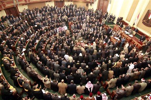 Liberales boicotean Asamblea constituyente en Egipto