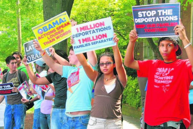 210 mil personas en riesgo de deportación