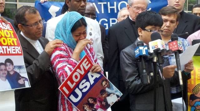 Piden a Obama no separar a más familias