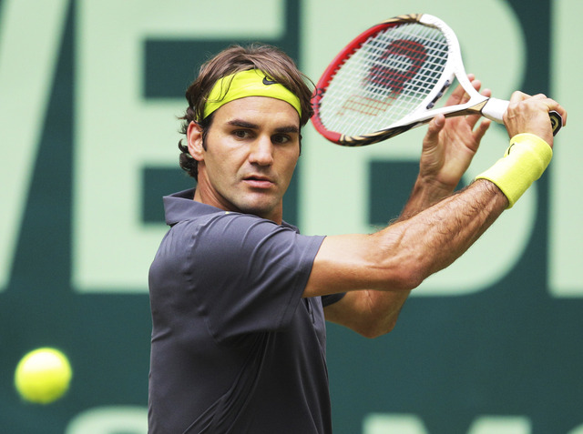 Federer y Haas van por el título en Alemania