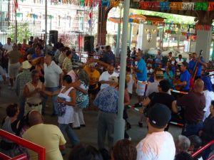 Salsa viva en La Marqueta de El Barrio