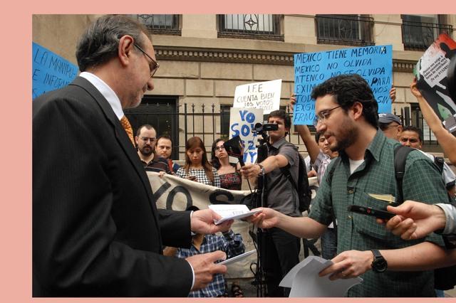 Jóvenes mexicanos piden elecciones limpias