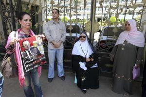 """Mubarak: En coma, pero """"cerca de la muerte"""""""